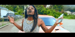 U MAD – SHE MONEY
